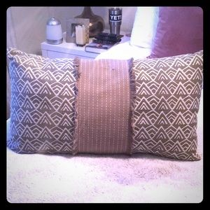 Other - Super cute gray pattern throw pillow